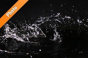 水が跳ねる写真・フォト素材
