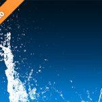 青色背景の水が注がれて跳ねる写真・フォト