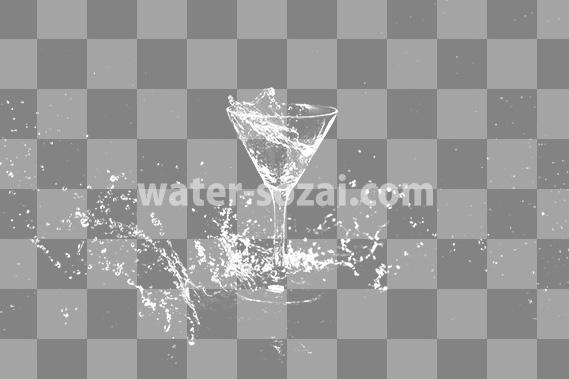 カクテルグラスと躍動する液体の切り抜き透過画像