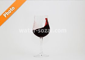 グラスの中でワインが揺れる写真・フォト